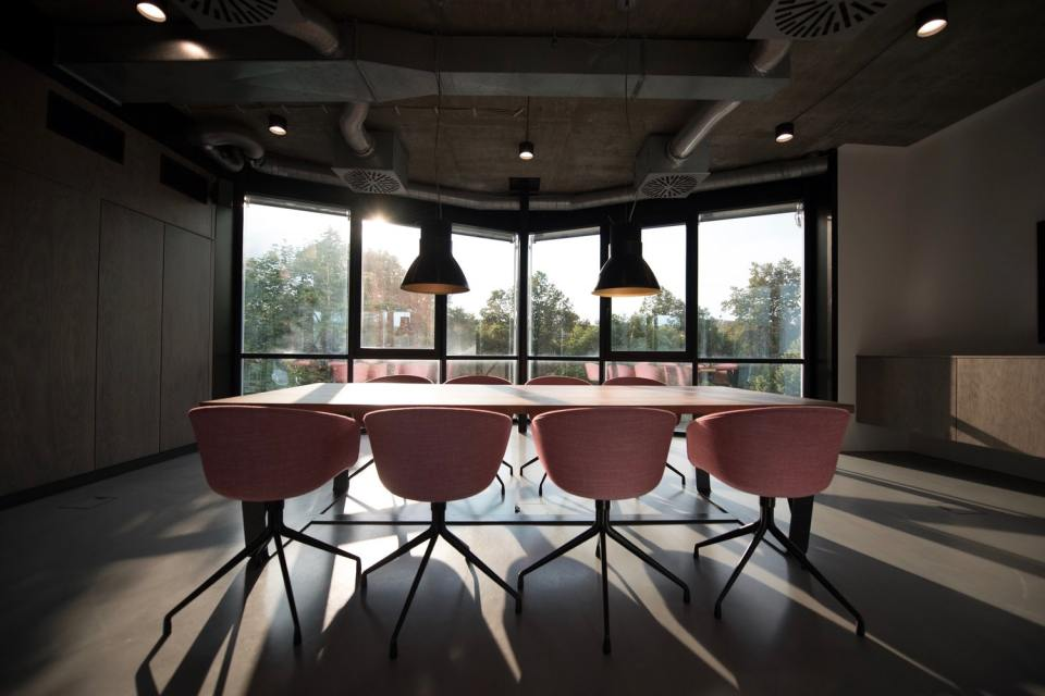 Make conference rooms bookings hassle-free - Kitcast Blog
