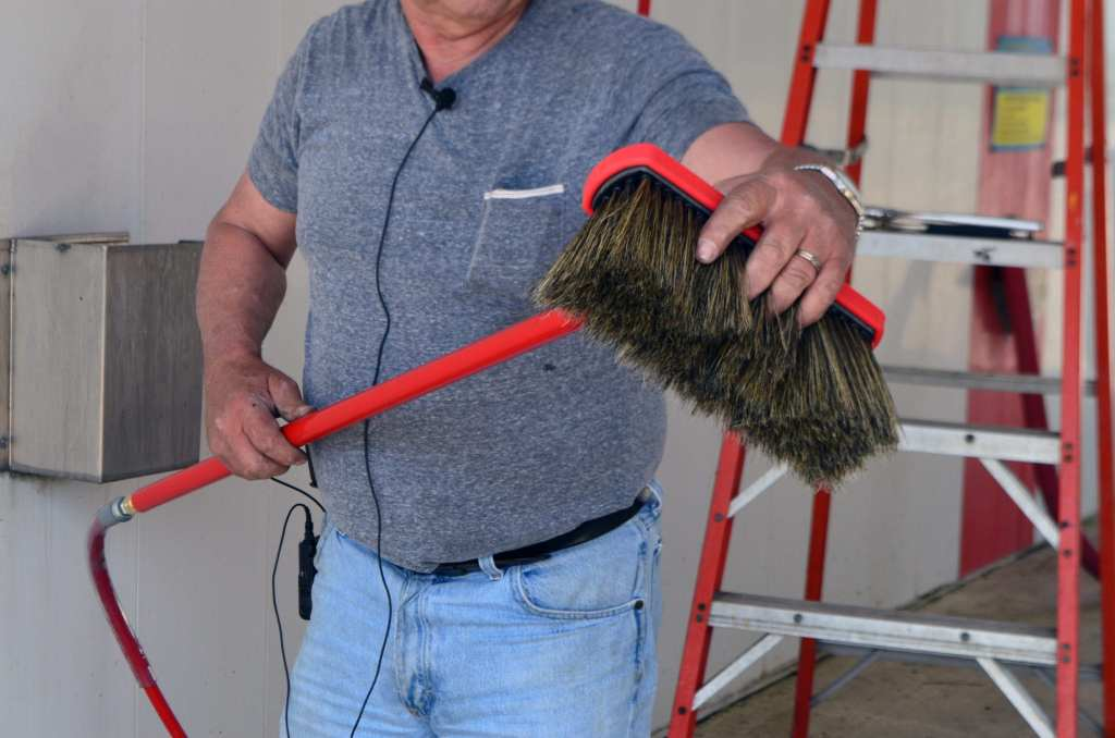 DSC_0023-1024x678 How To Change a Car Wash Foamy Brush