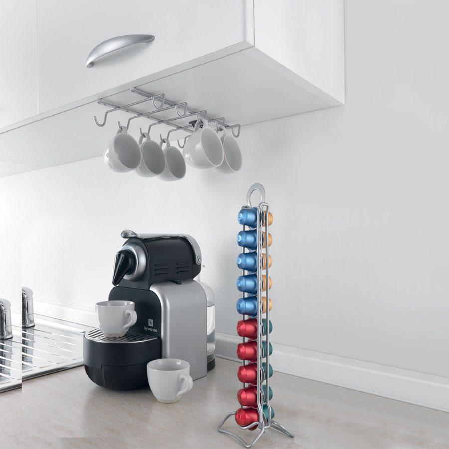 Mutfak aksesuarları ile mutfak düzeni sağlanabilir.