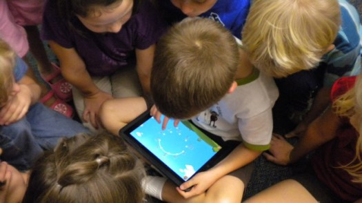 Kids using the ipad using a BYOD plan