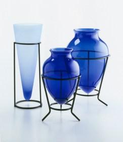 3-blue-vases