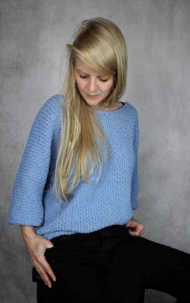 pullover in hellblau gestrickt aus peach cotton von schachenmayr nach strickanletung von krassemasche