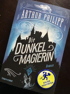 Die Dunkelmagierin Book Cover