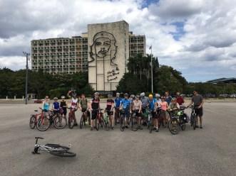 Gruppenfoto auf dem Plaza de la Revolutión