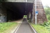 und wieder ein Fahrrad-Terassen-Tunnel