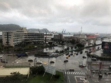 Regen im Hafen