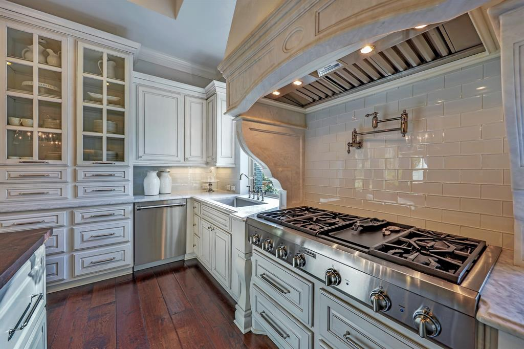 subway tile is it in or out
