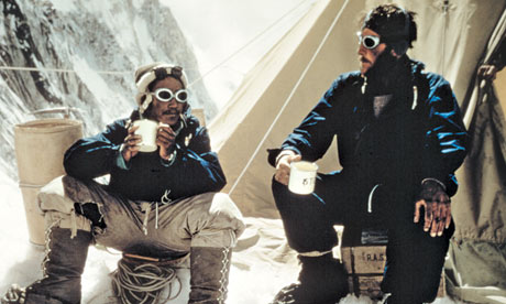 Everest tea time