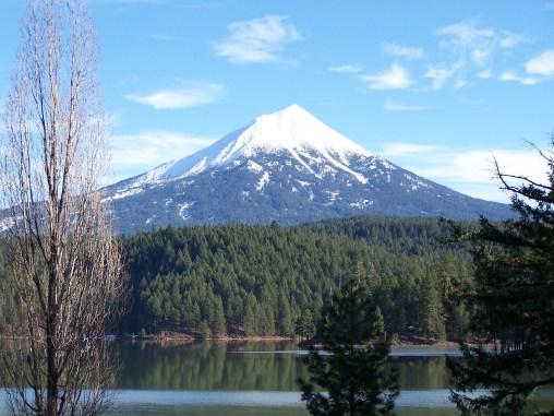 Mont McLoughlin, 2894 m