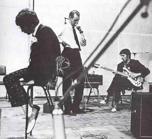 Primeras fotos tomadas tras iniciar las grabaciones en Abbey Road en noviembre del 66