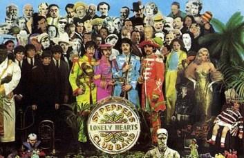 Cómo no ponerla, siendo que tenemos a los Beatles de antes de 1967 al lado, para comparar.