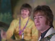 """1:24 hacia la cámara, dos veces (Ringo se está riendo, esta es la parte en que Faul canta el """"doy you say"""" en el que falla en el playback). No sabemos si las imágenes corresponderán con exactitud al momento en cuestión, pero no deja de resultar curioso."""