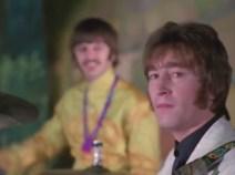 1:27, y hacia la cámara, tercera vez. Ringo lo mira sonriente, sabe que pasa algo.