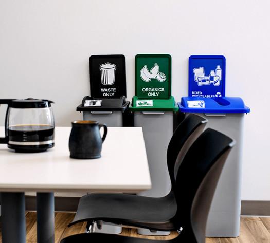 Trio contenants recyclage, organique et déchets Waste Watcher