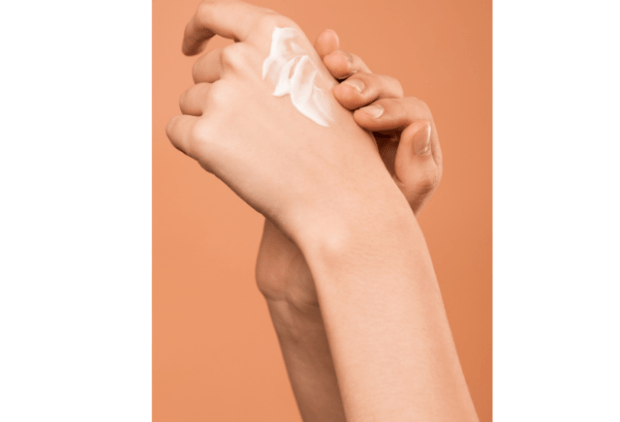 La protection des mains grâce aux crèmes protectrices