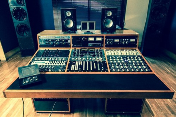 new old top_mastering_studios12__1428355106_24.37.204.38