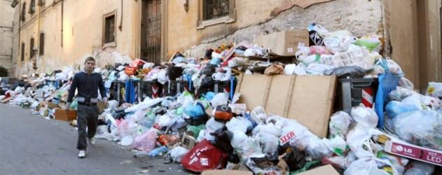 Muellberge-Neapel