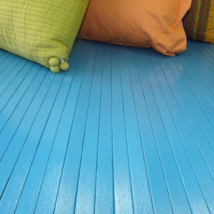 Alfombra de láminas de bambú azul