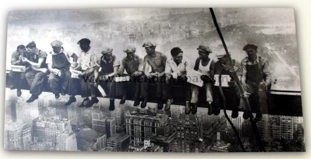 Lienzo foto obreros en rascacielos