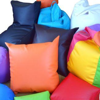 Puffs de polipiel de colores