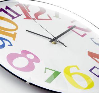 Reloj colorido
