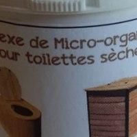Des micro-organismes pour les toilettes sèches