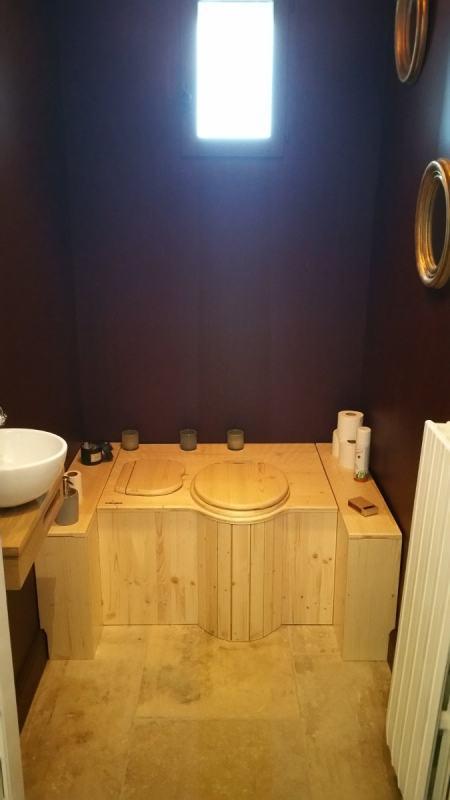 La toilette sèche sur mesure est en place