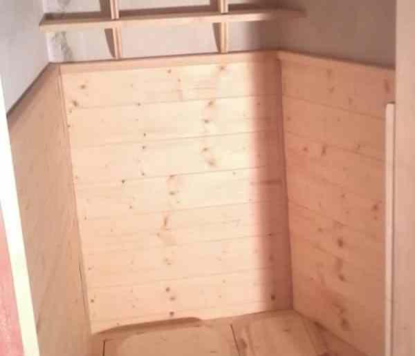 Toilette sèche et lambris bois
