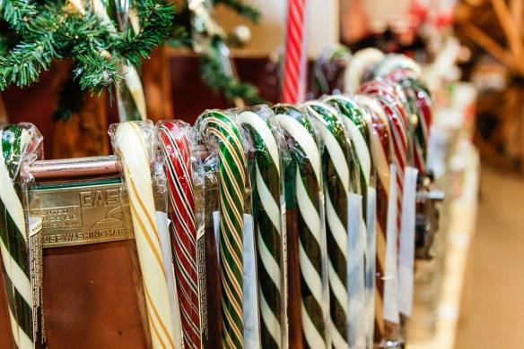 store-at-christmas-5