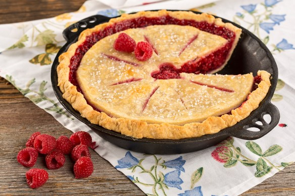 raspberry pie in cast iron pan