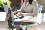 Motivación laboral, tecnología y productividad en la firma de abogados