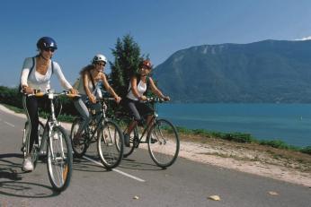 Balade à vélo autour du lac d'Annecy - Hôtel Les Trésoms