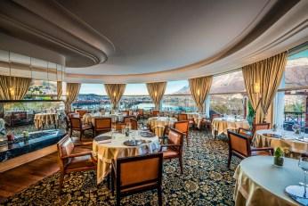 Restaurant gastronomique La Rotonde des Trésoms - Vue panoramique Lac d'Annecy - Décoration d'intérieur