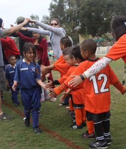 El compañerismo como valor fundamental en el deporte base