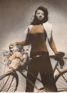 Arlene_Roberts_Morris_posed_with_bicycle_Iowa_City_Iowa