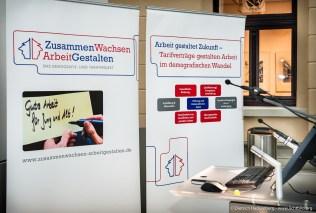 Aufsteller: Zusammen Wachsen - Arbeit Gestalten. Fachhearing Gesundheitsmanagement und Gesunde Arbeit im Einzelhandel. Foto Dietrich Hackenberg