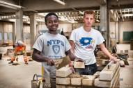 Zwei Auszubildende für Kanalbau und Maurer. Ausbildungszentrum der Bauindustrie in Kerpen. Foto Dietrich Hackenberg