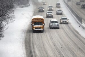 new-york-city-battles-through-another-winter-storm