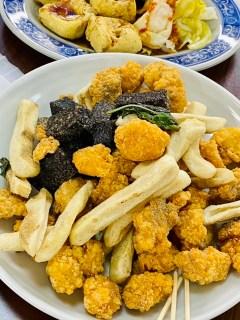 鹽酥雞(イエンスージー)揚げ物盛り合わせ