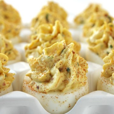 bacon-and-cheddar-deviled-eggs