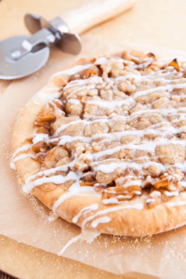 5 Summer Desserts That Will Change Your Life - Apple Pie Pizza