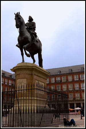 Statue in the Plaza Mayor