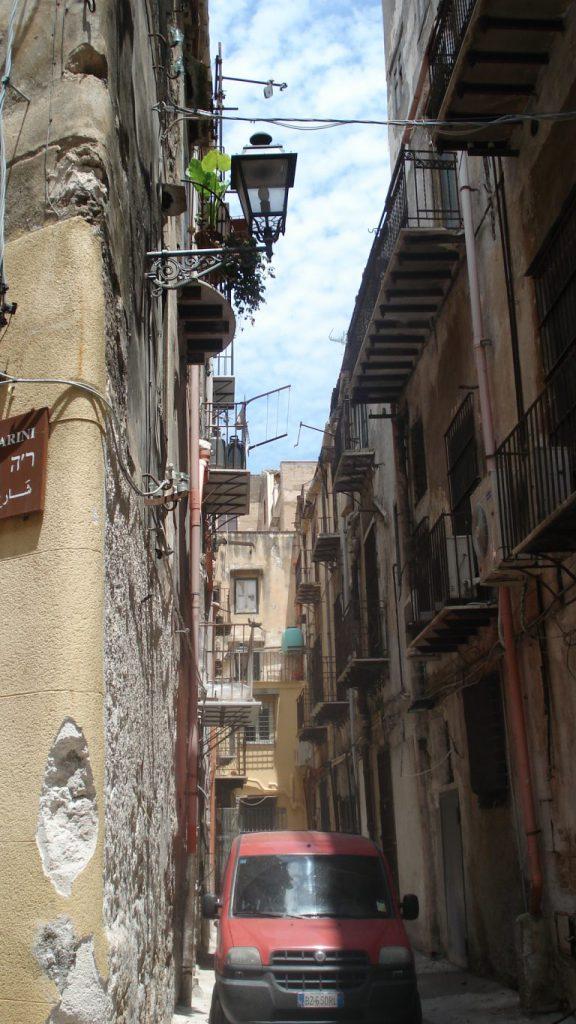 chaotische altstadt palermo sizilien