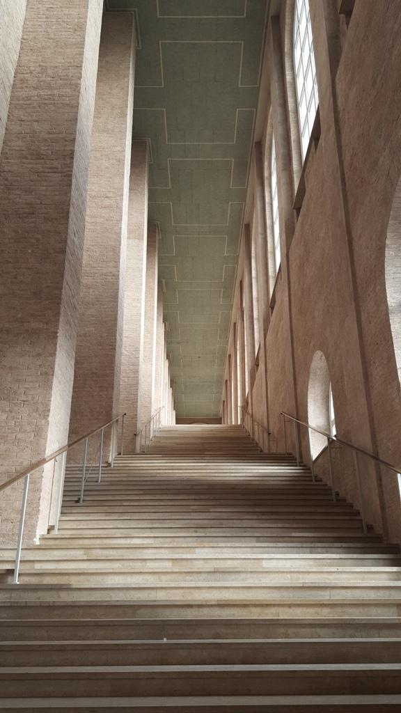 Treppenaufgang zur Gemäldesammlung der Alten Pinakothek