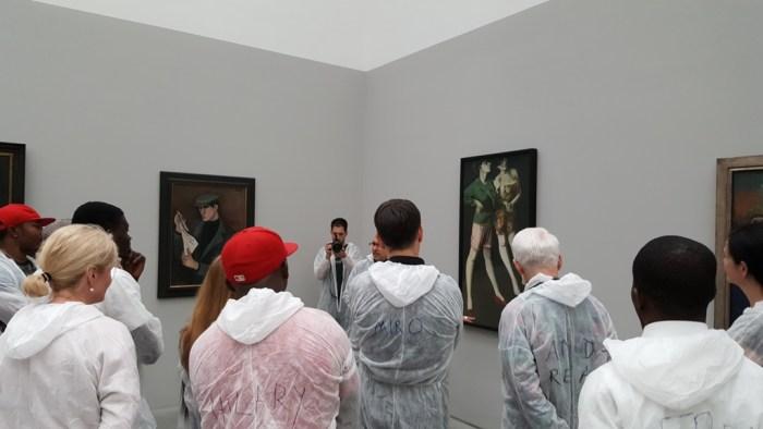 Gemälde betrachten in der dritten Projektphase