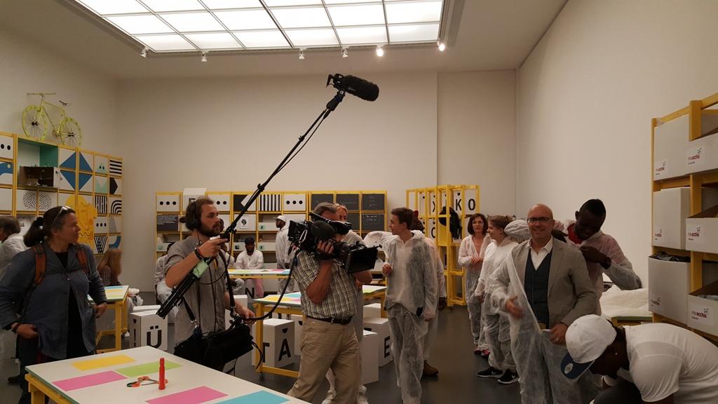 BR Film Doku Flüchtlingsprojekt Pinakothek der Moderne