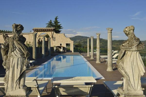 piscina e vista di Tenuta Le Cave