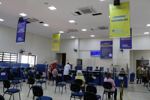 10.03.2021 Vacinação contra a covid-19 no CCI norte - Fotos Vivian Honorato
