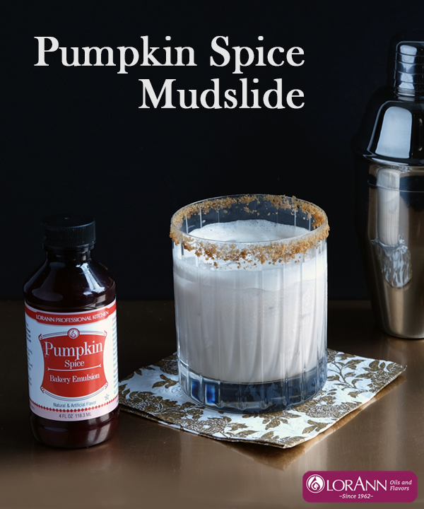 pumpkin-spice-mudslide-with-bottle-text