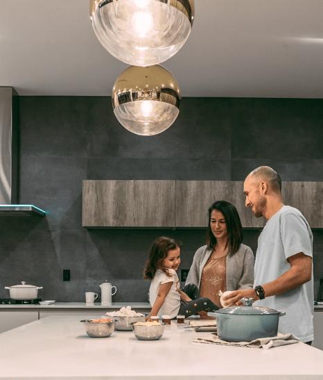 family-cooks